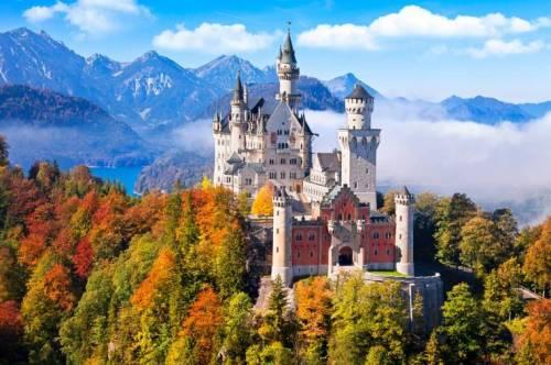 Замок Нойшвайнштайн в Германии