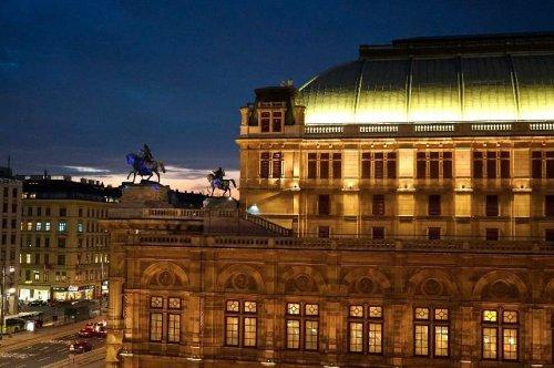 Bristol_Oper_Abend